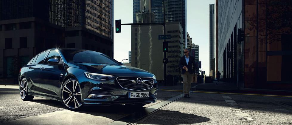 Opel_Insignia_GS_Exterior_21x9_ins19_e02