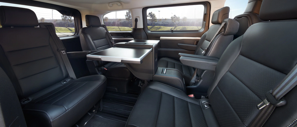 opel_zafira_life_interior_turnable_seats