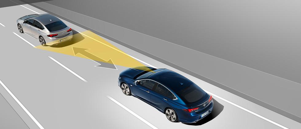 Opel_Insignia_ACC_21x9_ins18_t01_118.jpg