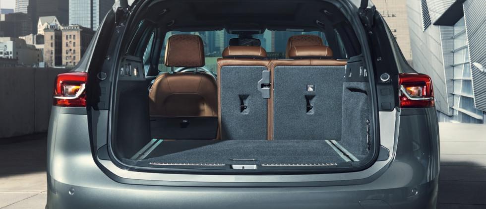 Opel_Insignia_ST_Rear_Split_Seat_21x9_in