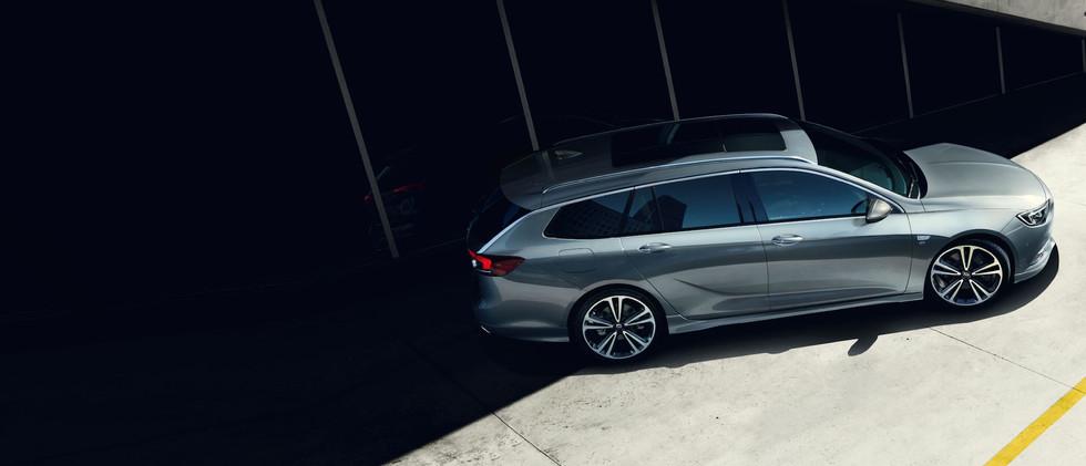 Opel_Insignia_ST_Exterior_21x9_ins19_e03