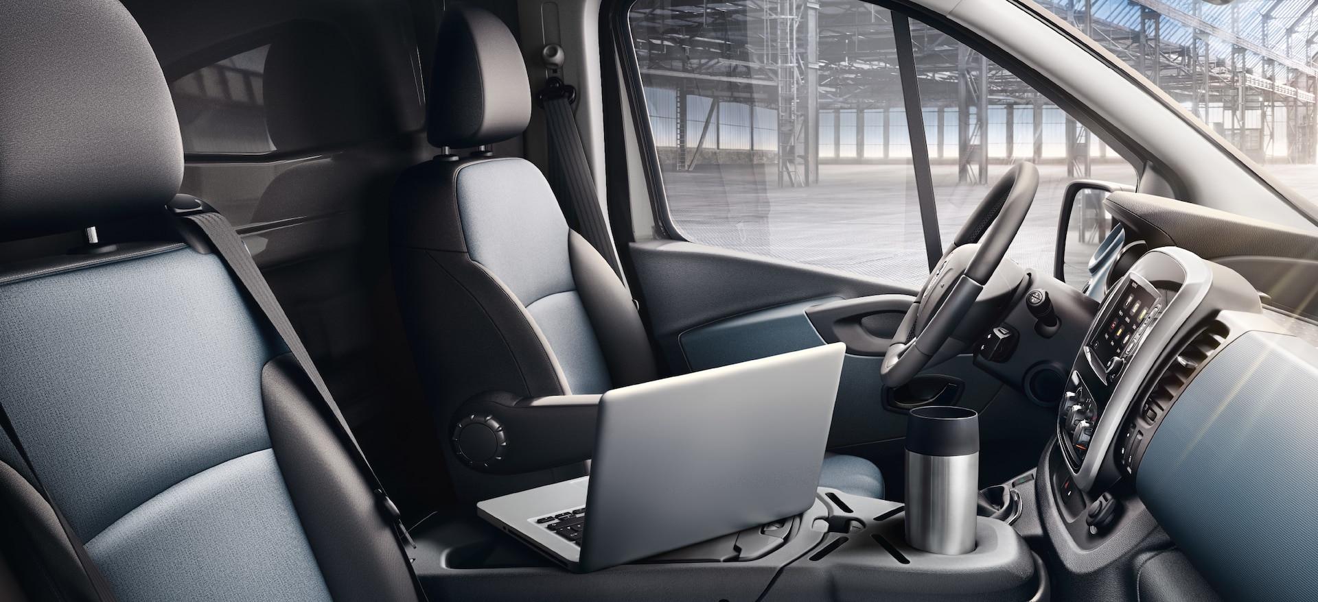 Opel_Vivaro_21x9_vi15_i01_718.jpg