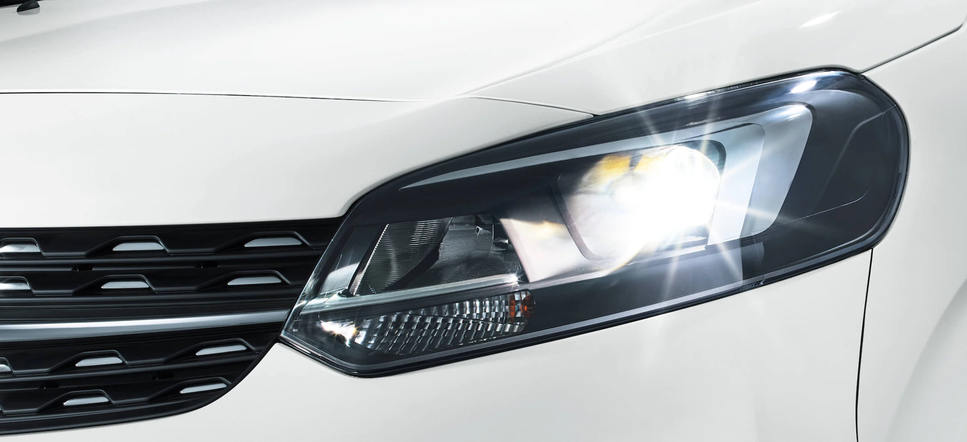 opel_zafira_life_exterior_led_lights_21x