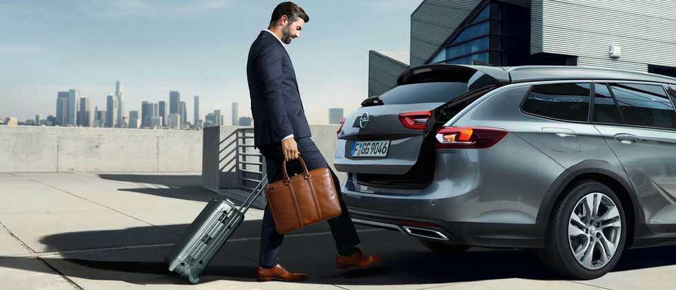 Opel_Insignia-ST_Power_Tailgate_21x9_ins