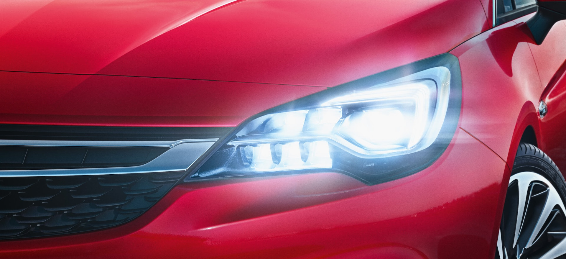 Opel_Astra_Intellilux_21x9_as16_e01_236_