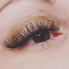 Cat eye full volume lashes are a perfect