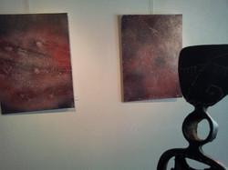 Peintures et sculpture en harmonie