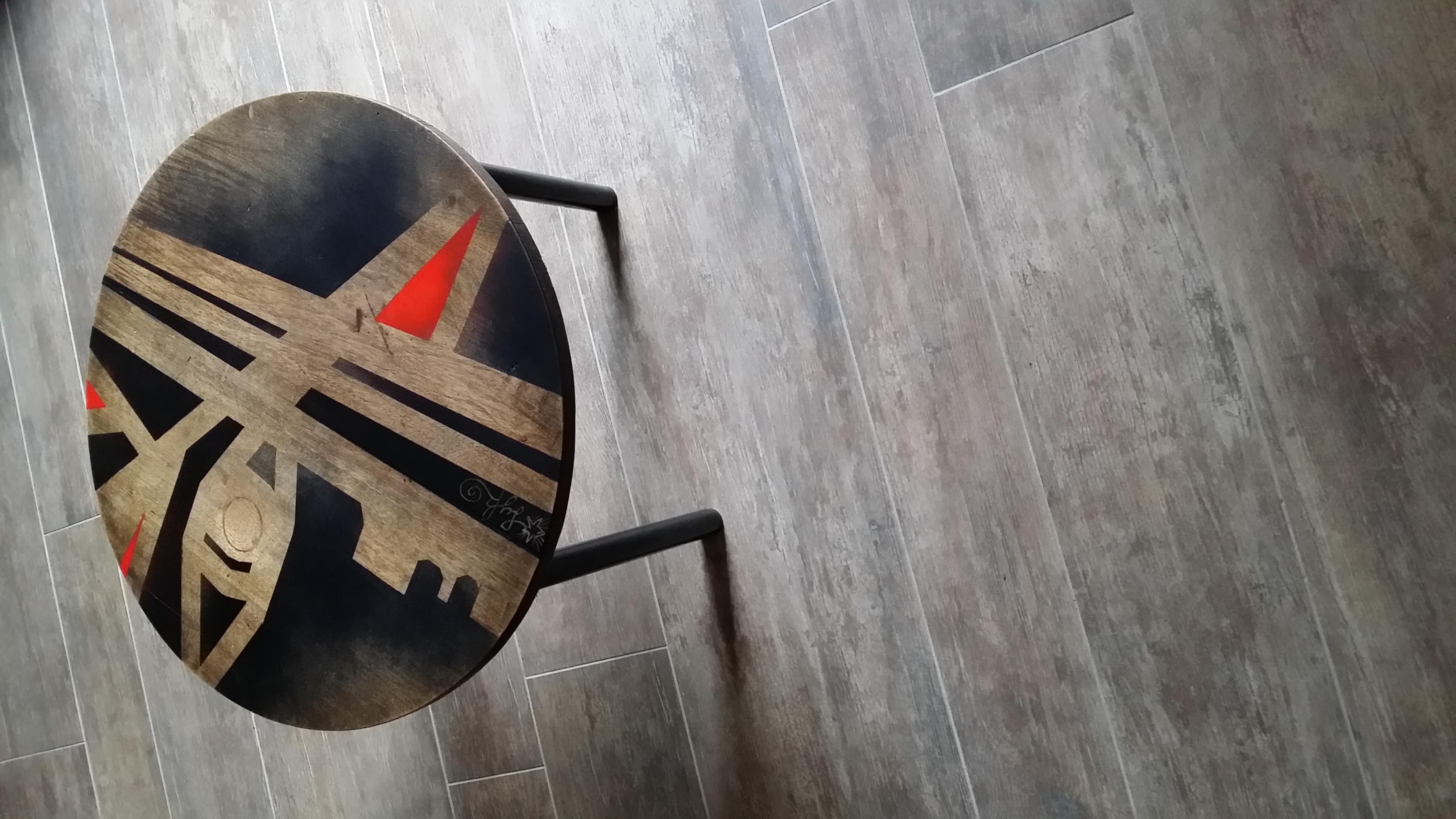 LYK - Petite table Tripode