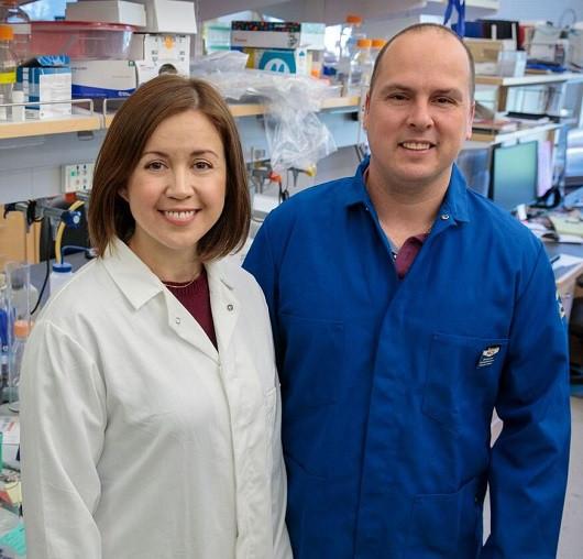 Stephanie Correa and Edward van Veen in Correa's UCLA laboratory.
