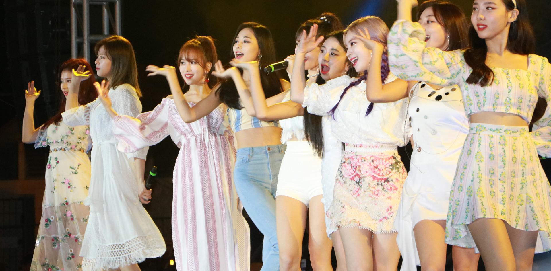 K-Pop Twice (19).jpg