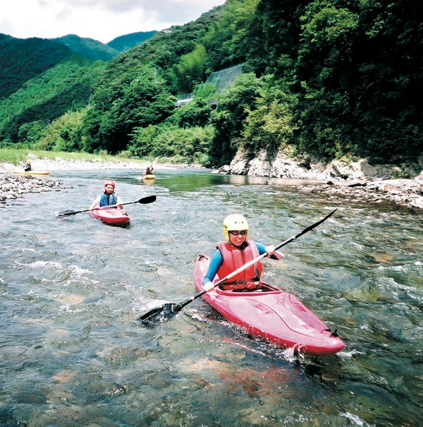 Canoe is one of the fun activity at the Niyodo River