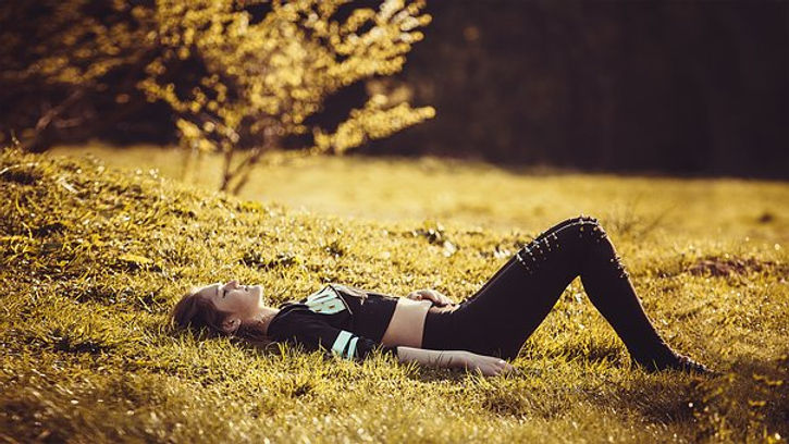 girl-lying-on-the-grass-1741487__340.jpg