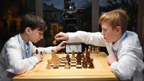 Воспитанники столичных центров содействия семейному воспитанию сразились за шахматы Карпова