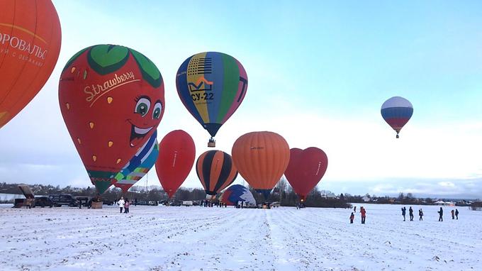 В Дмитрове состоялся фестиваль тепловых аэростатов «Яблоки на Снегу»