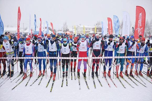 На старт марафона «Лыжня в Лавру» вышло более 2 тысяч человек