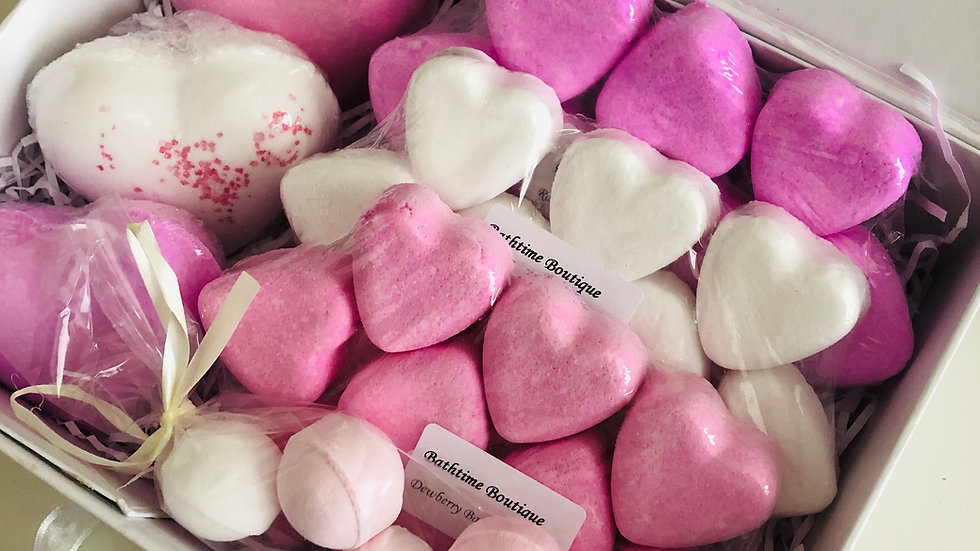 Pink & White Love Heart Bath Bomb Gift Box