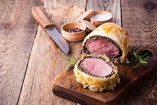 beef-wellington-classic-steak-dish-cutti