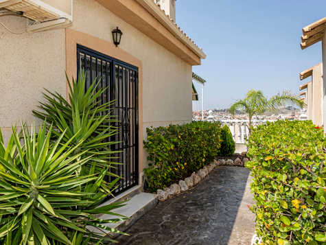 Home In Quesada For Sale With Garage