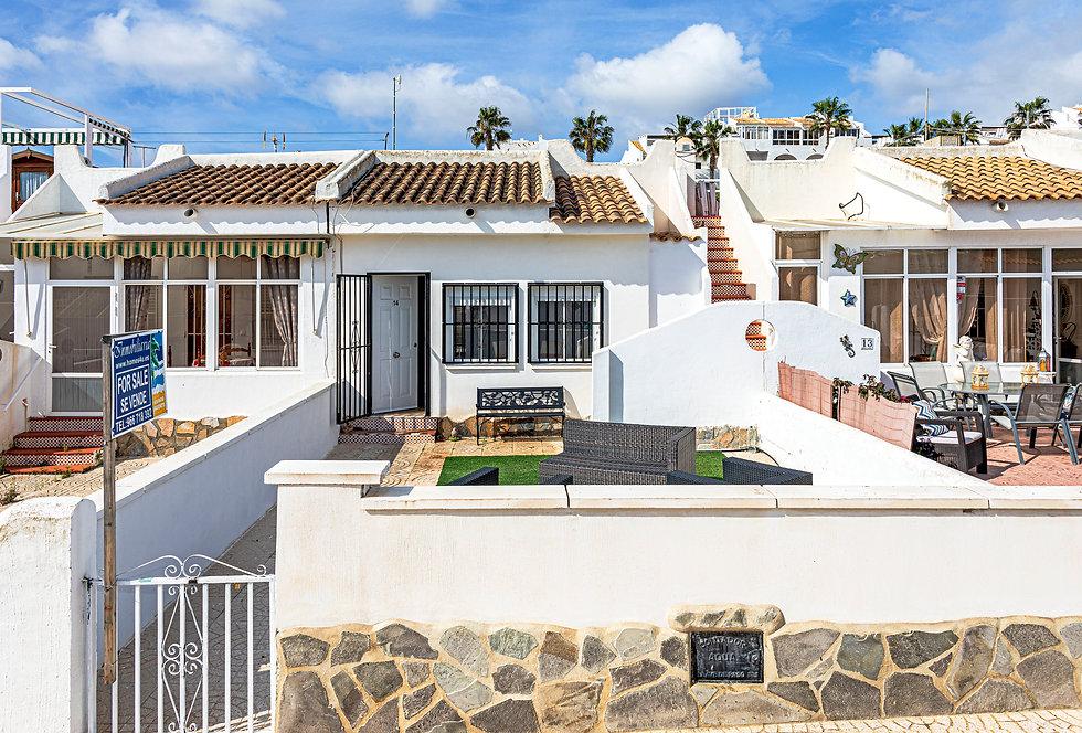 Bungalow For Sale In Ciudad Quesada - QRS9306  Inmobiliaria Estate Agents