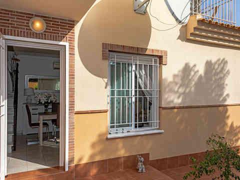 Front Tiled Entrance