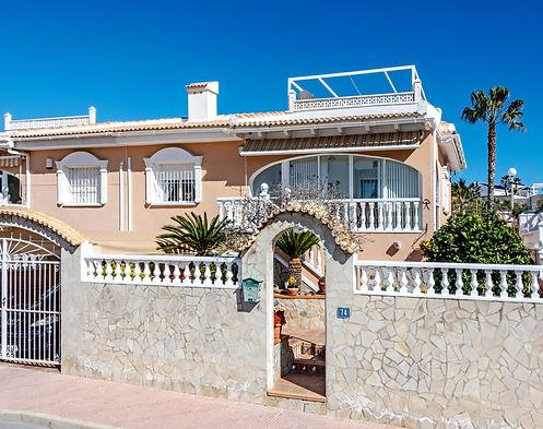 English Estate Agents in Ciudad Quesda