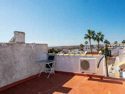 Top Floor Semi-Detached Apartment With Communal Swimming Pool