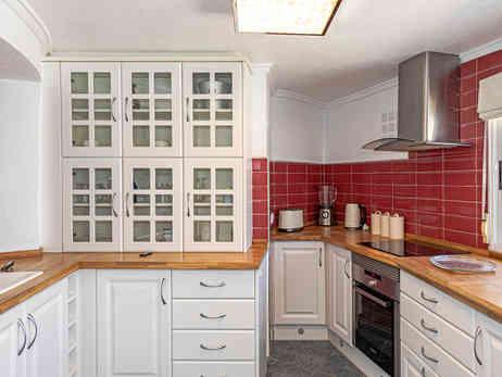 Guest Apartment, Kitchen