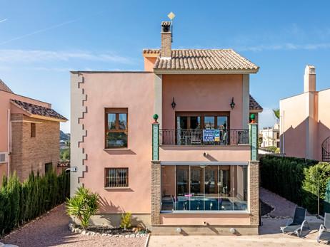 Algorfa - Detached Villa For Sale With Golf Views