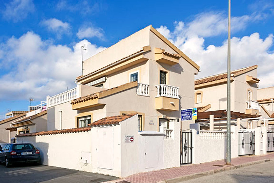 Inmobiliaria quesada property experts ciudad quesada for Inmobiliaria quesada