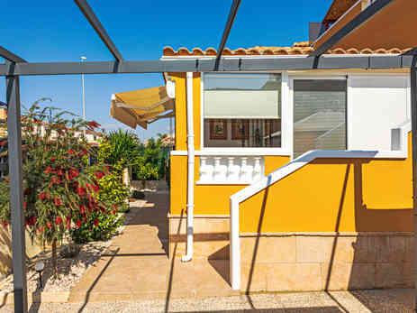 El Raso Villa For Sale