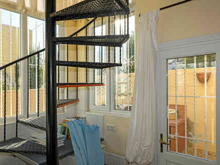 3 Bedroom Property With Central Heating