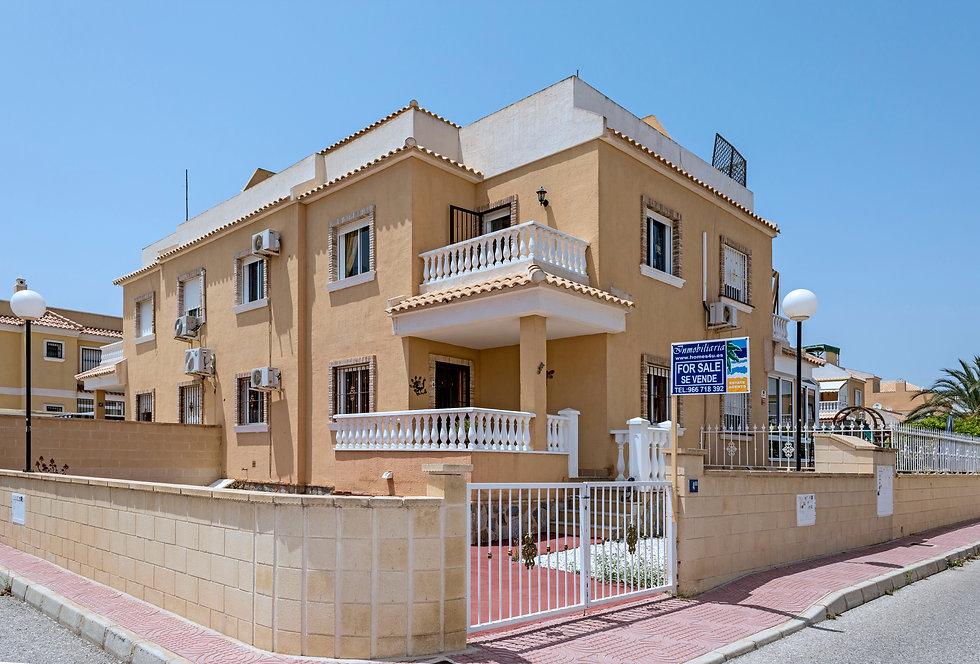 Villa For Sale In Ciudad Quesada - QRS 9153  Inmobiliaria Estate Agents
