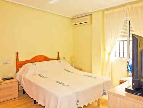 3 Bed, 2 Bath Villa For Sale
