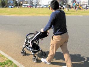 「男性の産休」新設へ 育休取得の働きかけも義務化方針