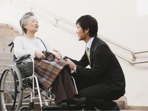 介護離職の抑制、法改正で環境整備が進むも 管理職の介護休業利用率は2.7%どまり
