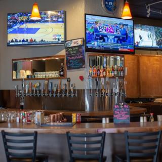 MJ Barleyhoppers Bar with TVs
