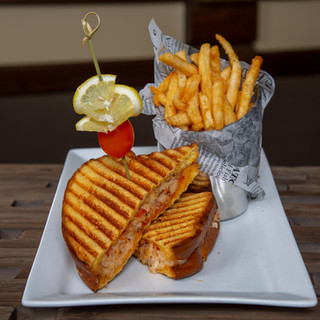 Sandwich with frie