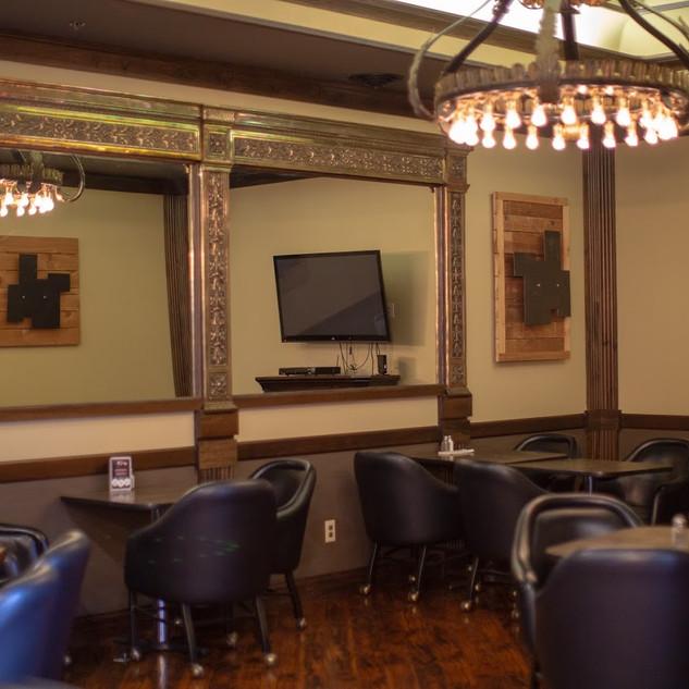 Meriwethers Lounge