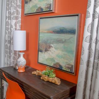 Desk & Decor in guestroom