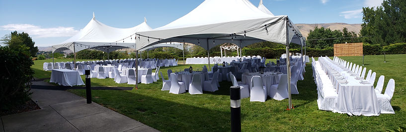 outdoor lawn reception at Hells Canyon Grand Hotel
