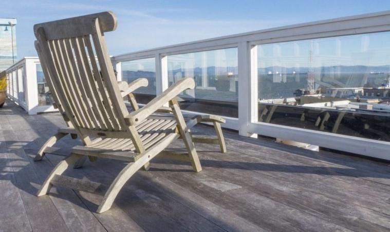Rooftop deck at Hotel Elliott
