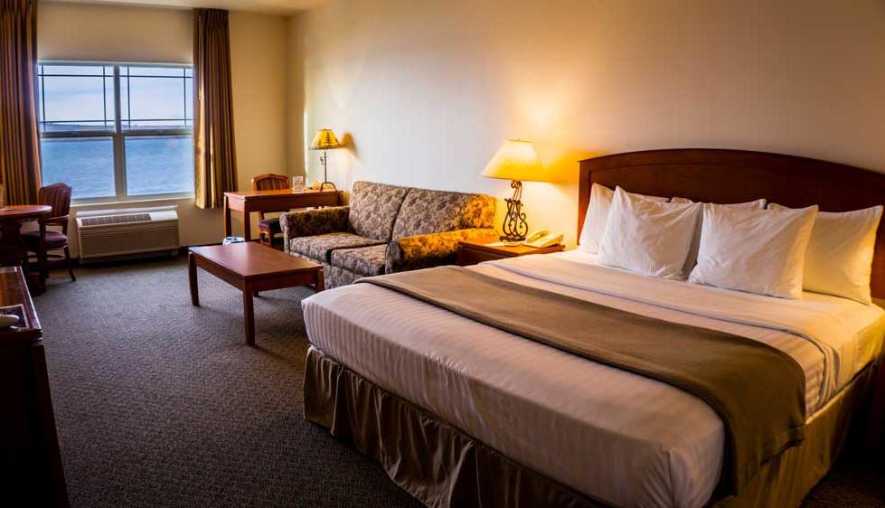 King Room at River Lodge
