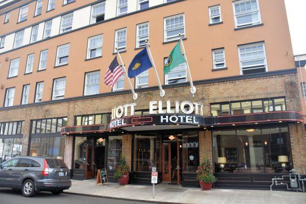 Hotel Elliott Front Entrance
