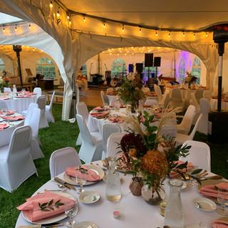 Outdoor Wedding under te