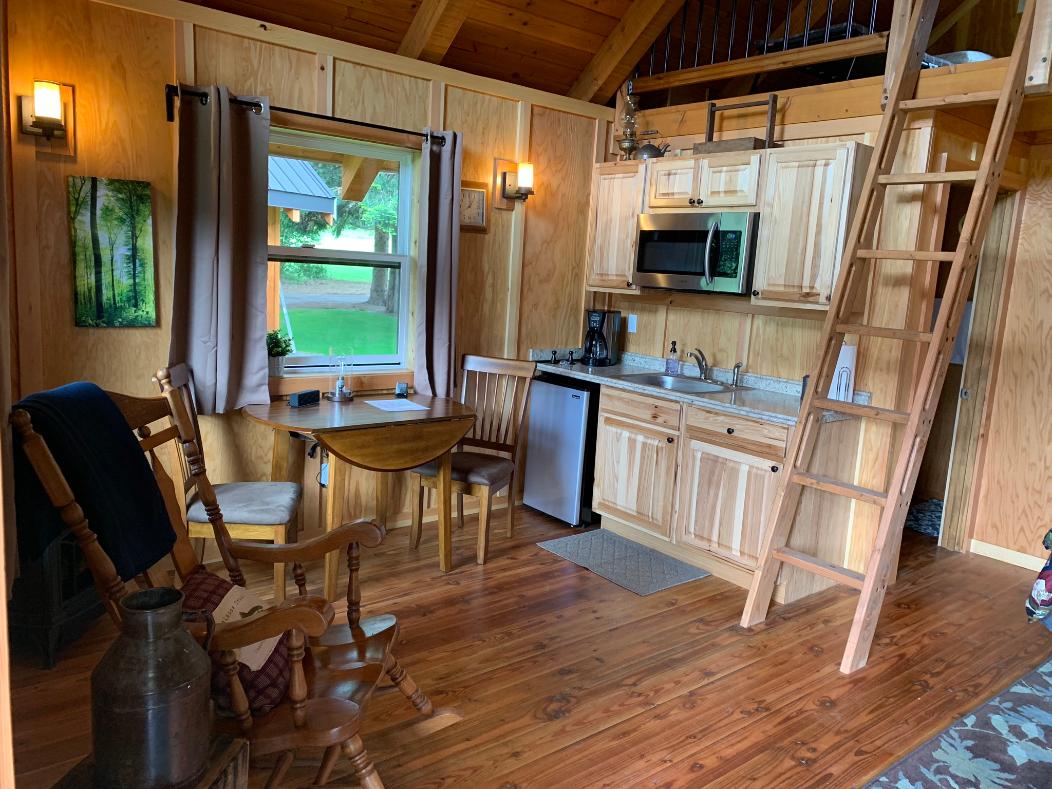 Cabin 6 Kitchenette