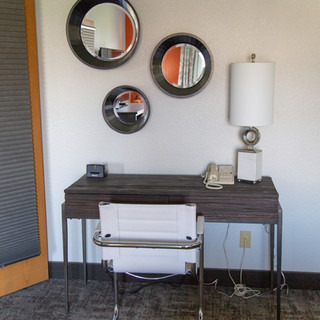 Desk in guestroom at Hells Canyon Grand Hotel