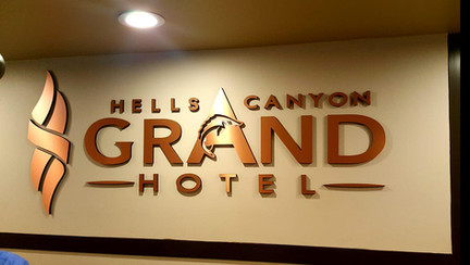 Hells Canyon Grand Hotel S