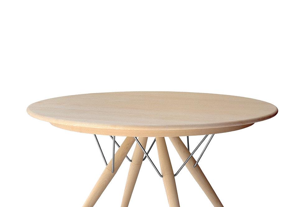 Table pp 75 Hans J. Wegner