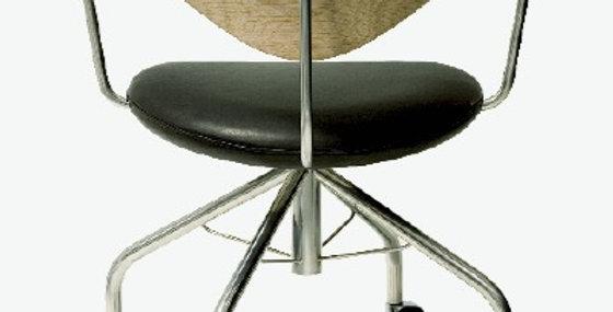 Chaise pp 502 Hans J. Wegner