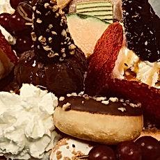 CHOCO LOCO sharing plateau! 😍.jpg